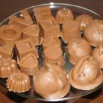 Trufla kawowa w otoczeniu czekoladek własnej roboty