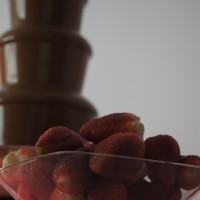 Czekoladowe fondue z truskawkami