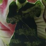 Ślubny motyw wycięty w arbuzie - carving