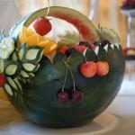 Dekoracja carvingowa z arbuza - koszyk