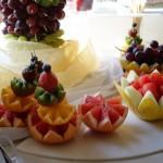Dekoracje z owoców, palmy owocowe, fontanny czekoladowe i alkoholowe