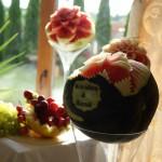 Figury carvingowe, dekoracje w arbuzie na wesele, owocowy stół