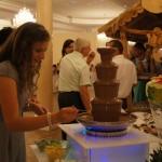 Fontanna czekoladowa na wesele, carving, bufety owocowe, palmy z owoców