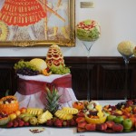 Carving i stół owocowy