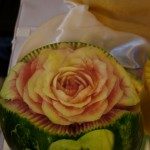 Carving - róża w arbuzie i młoda para