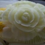 Dekoracyjnie wykrojony melon miodowy