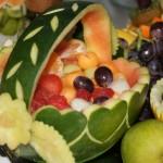 Koszyk z arbuza - dekoracja owocowa