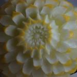 owocowe dekoracje - carving w melonie