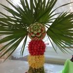 Palma owocowa z dekoracja carvingową