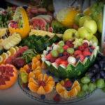 stół owocowy na wesele carving dekoracje owocowe Dworek w Grabowie nad Prosną