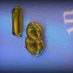 Balonowa cyfra 18 stroiki balonowe balony z helem napełnianie balonów helem Turek Kłodawa Konin Koło Sompolno