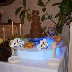 Fontanna z czekoladą na przyjęciu weselnym