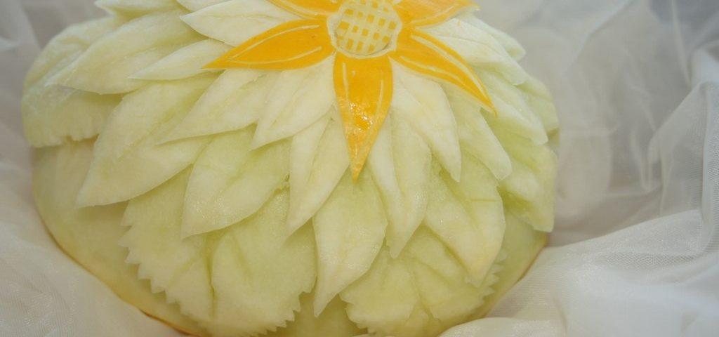 Carvingowa dekoracja z melona