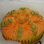 motyw kwiatowy w melonie - carving
