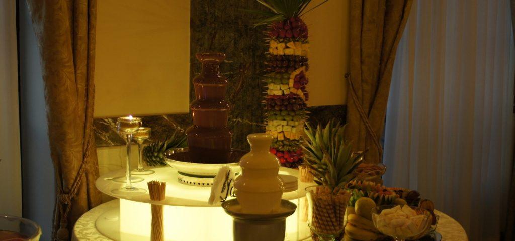 Dekoracyjny czekoladowy bufet na wesele