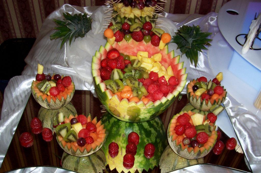Owocowy bufecik na weselu w Mikorzynie - Leśna Przystań