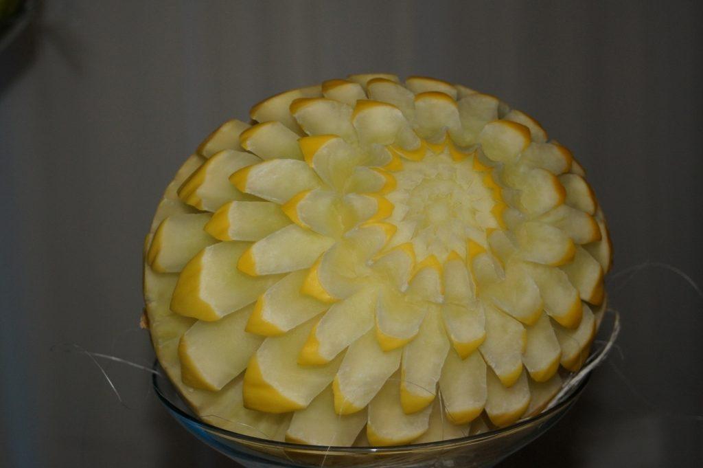 Carving w melonie miodowym