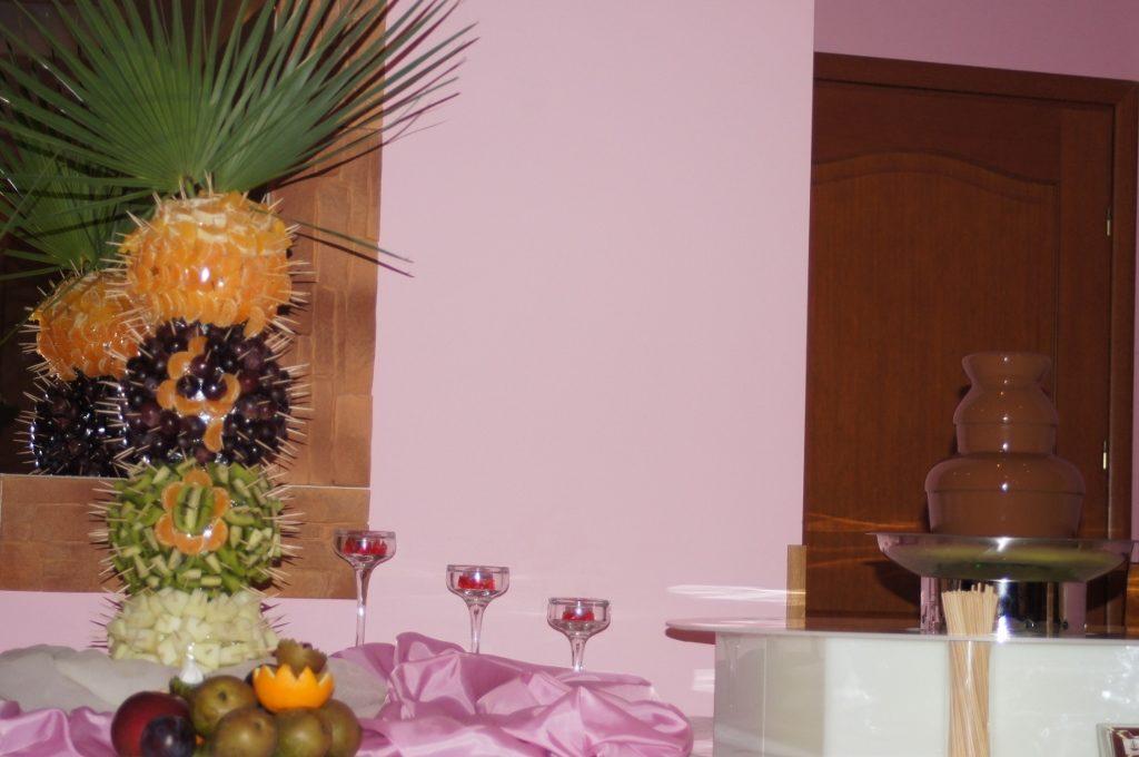 Fontanna czekoladowa i owocowy bufet