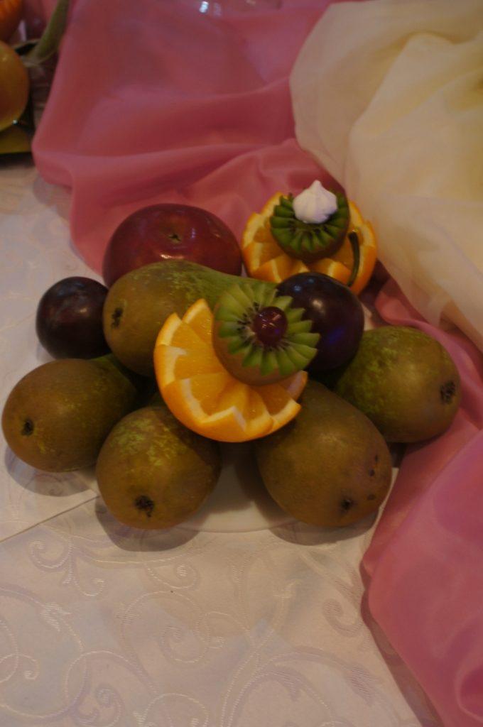 Owocowe bufety, owocowe stoły, owocowe wyspy, fontanny czekoladowe, atrakcje na przyjęcia
