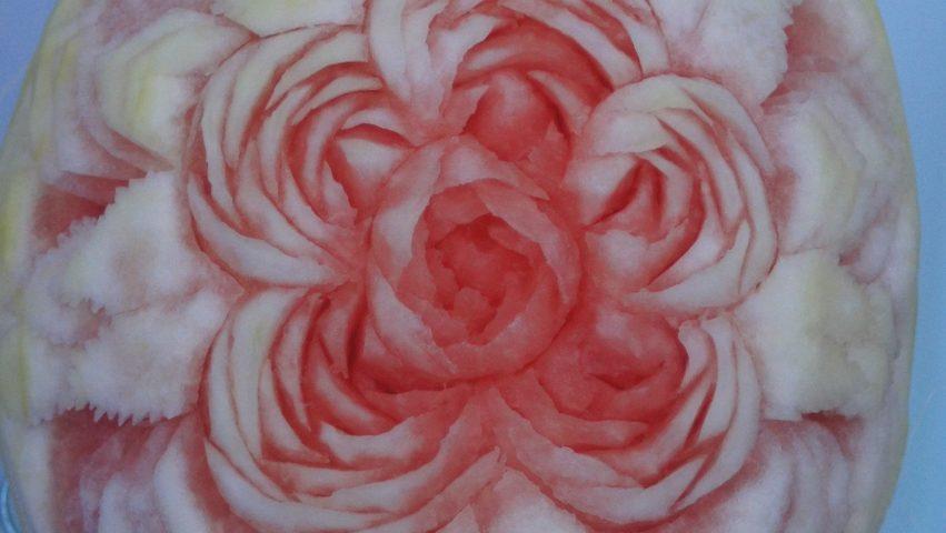 carving w arbuzie - róże