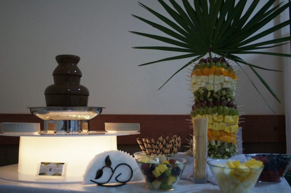 Fontanna czekoladowa i palma owocowa, Lord w Koninie