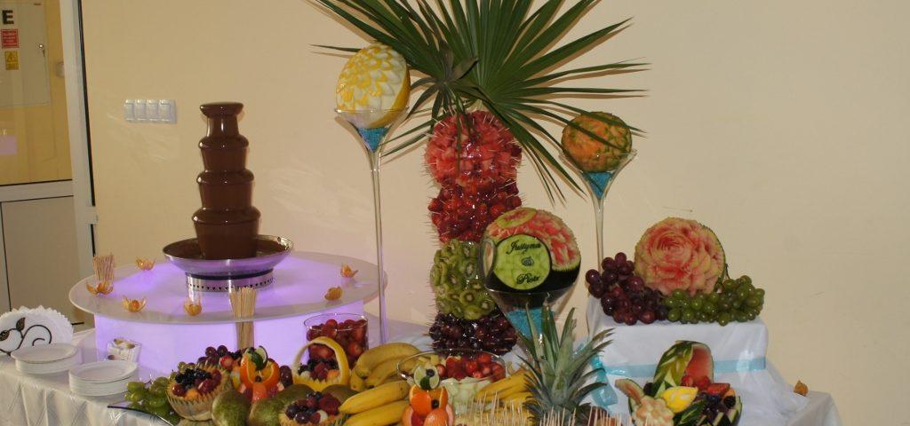 Fontanna z czekoladą i bufet owocowy w Morzyczynie