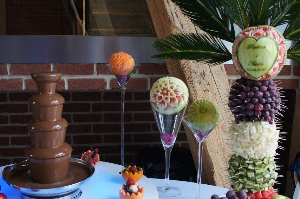 Fontanna czekoladowa i palma owocowa - Zamek Topacz Ślęza