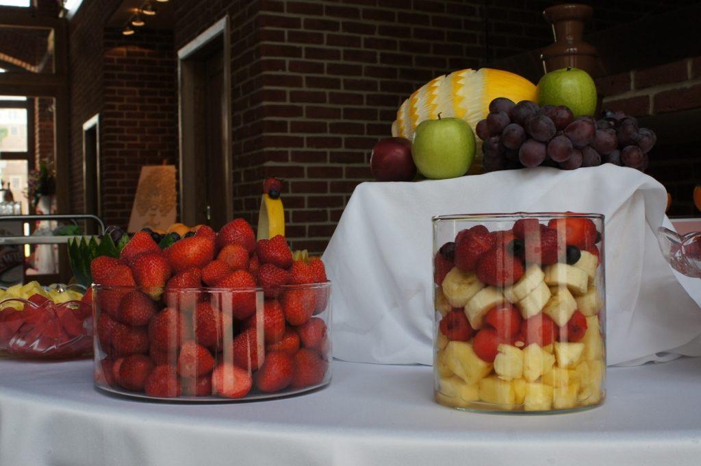 Fontanna czekoladowa i stół owocowy - Zamek Topacz Ślęza