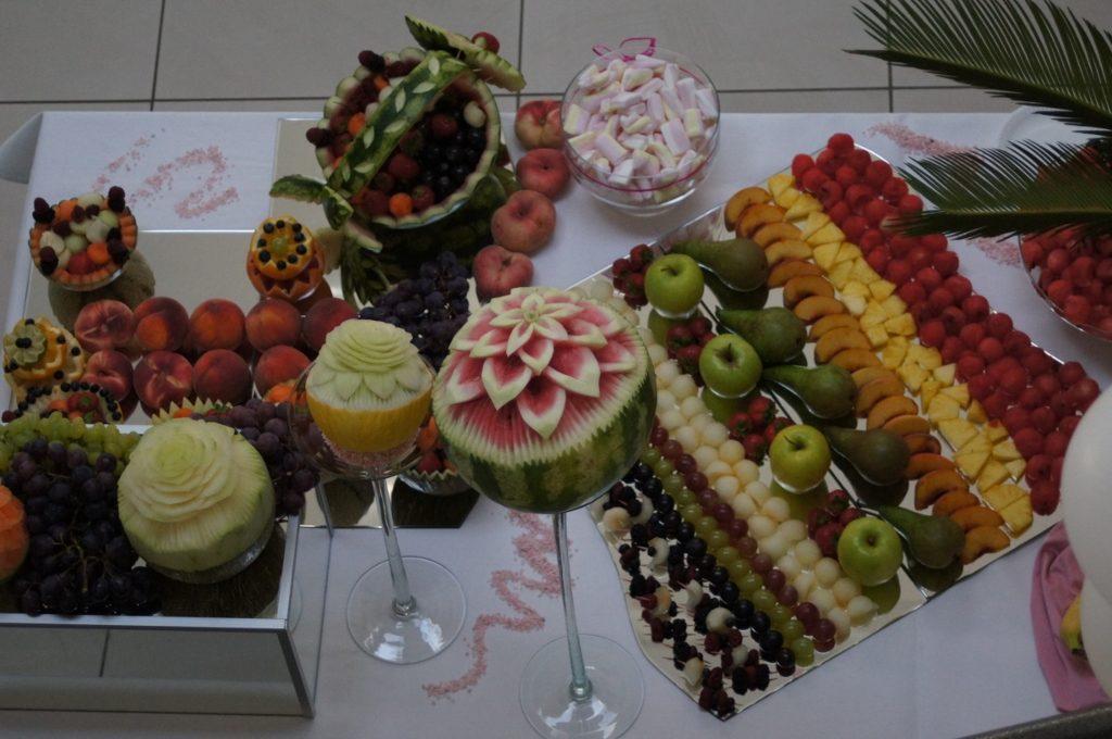 Bufet owocowy i fontanna czekolady, Biały Fortepian Koło