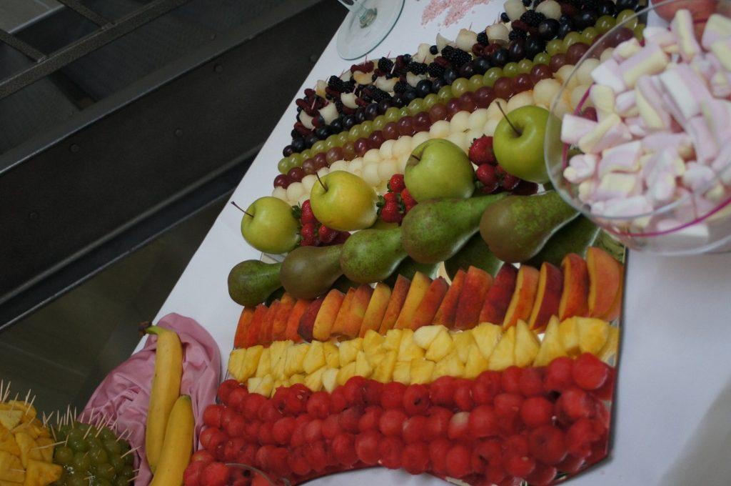 Dekoracje owocowe Biały Fortepian Koło