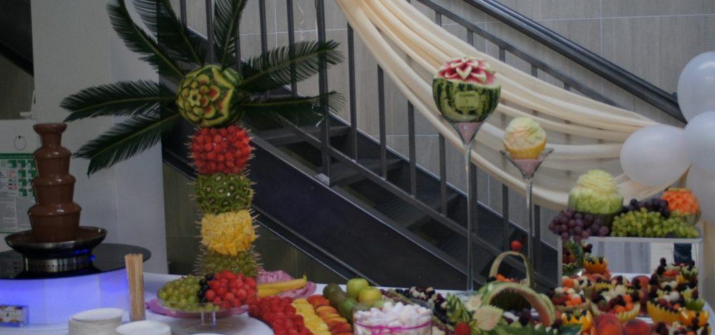 Fontanna czekoladowa i bufet owocowy, Biały Fortepian Koło