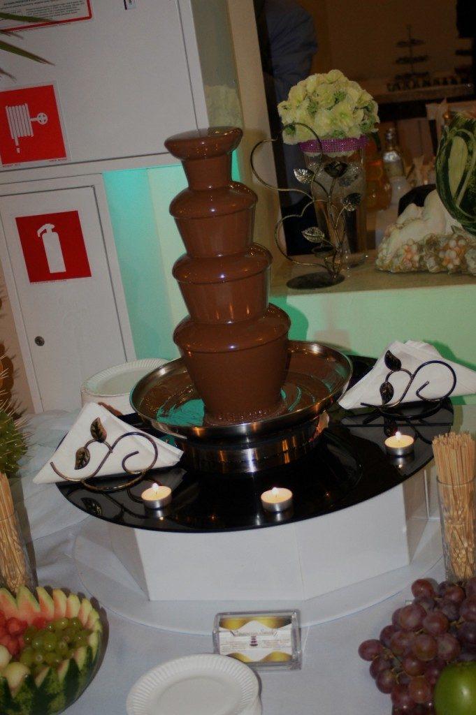 Fontanna czekoladowa i bufet owocowy w Berjo w Babiaku