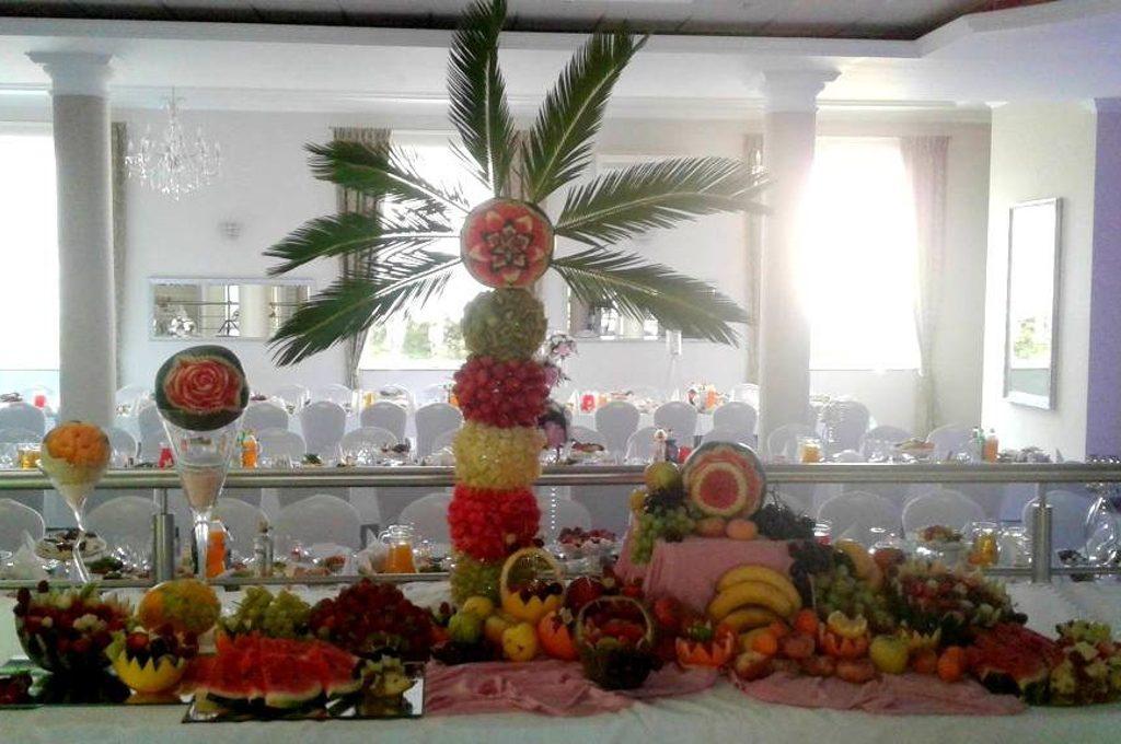 Bufet owocowy, dekoracje owocowe