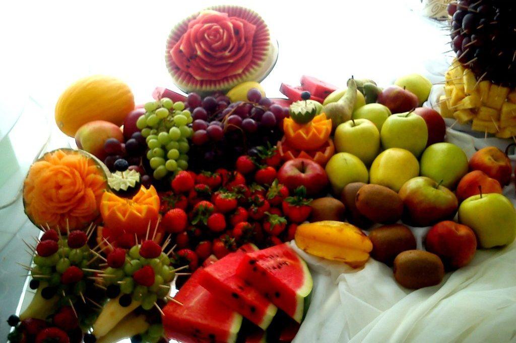 Bufet owocowy, dekoracje owocowe Restauracja Nastrojowa Skalmierzyce