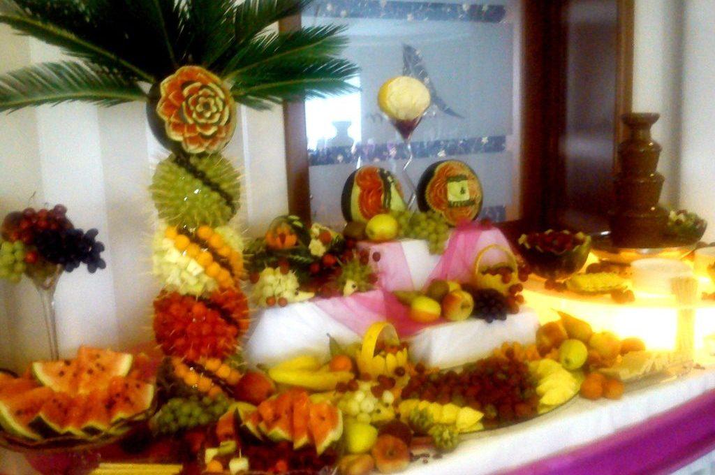 Palma z owoców, stół owocowy Poznań