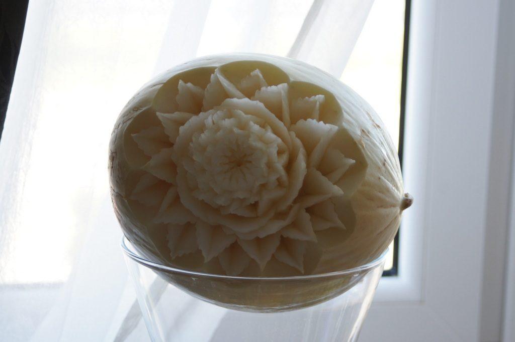 Dekoracja ślubna w białym melonie
