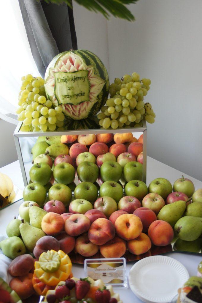 Stół owocowy, carving