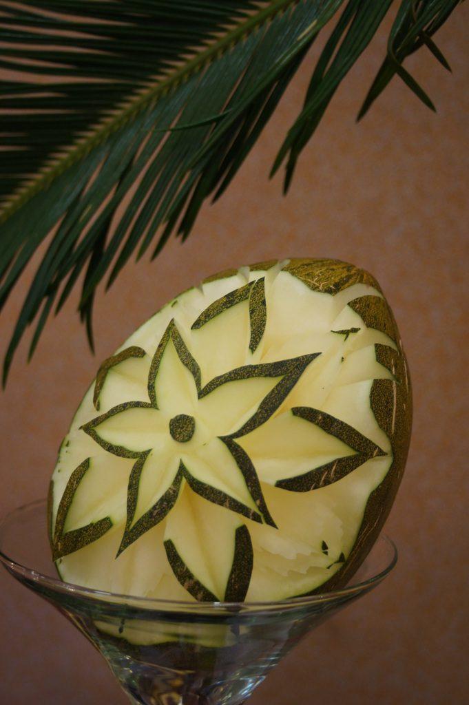 Carving w melonie Piel de Sapo
