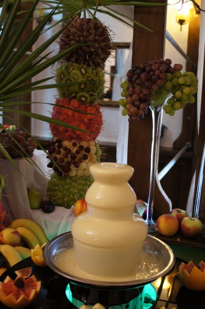 Fontanna czekoladowa, bufet owocowy Karczma Miłosna