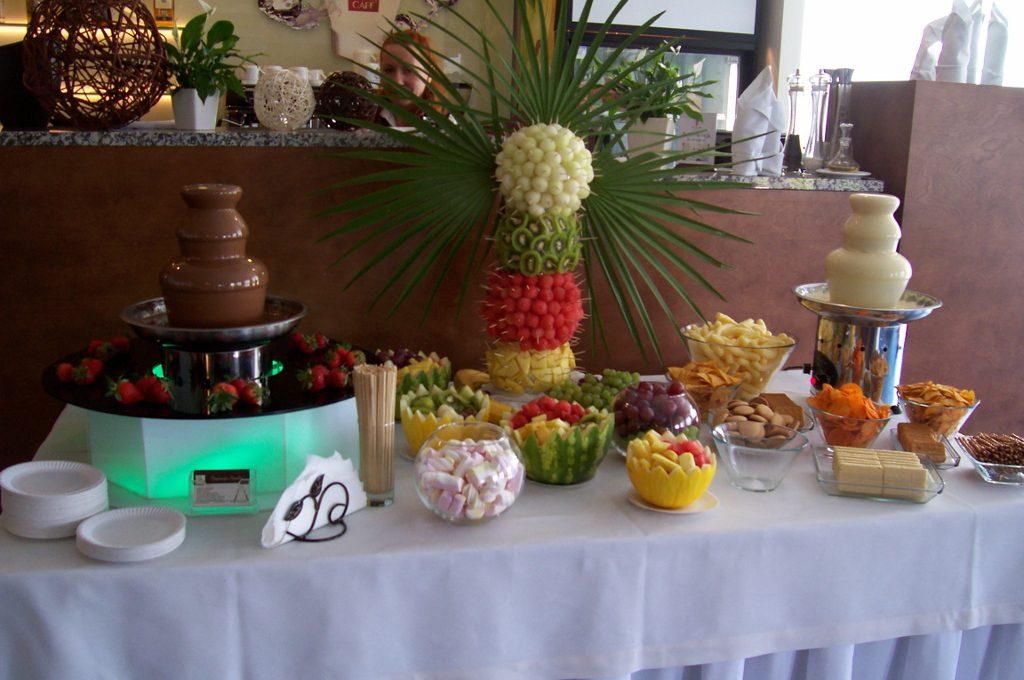 Fontanna czekoladowa, fontanna serowa, palma owocowa