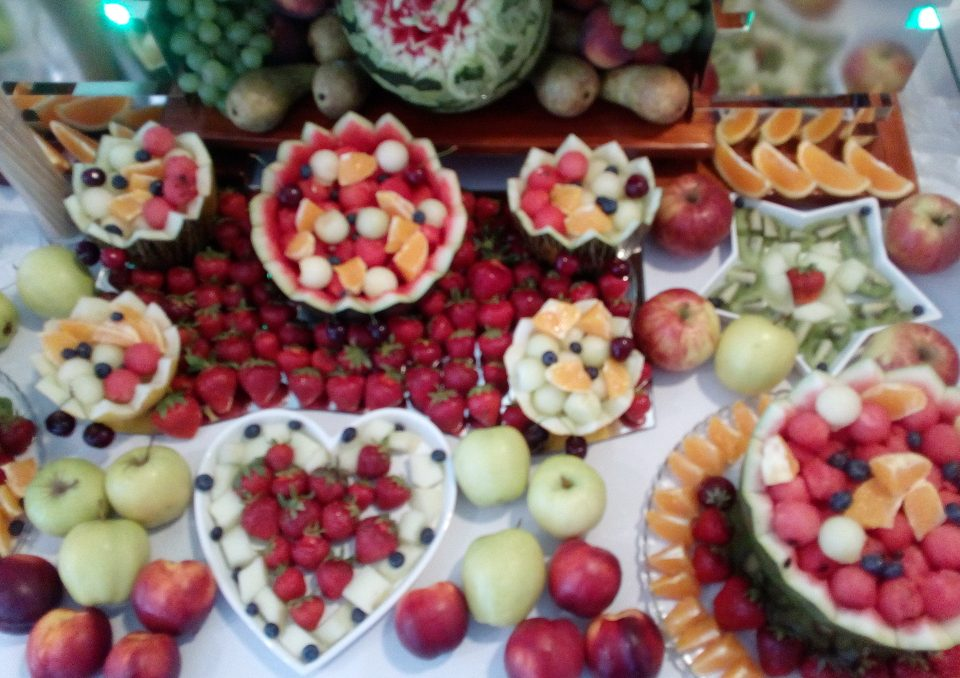 Bufet owocowy, dekoracje owocowe Turek