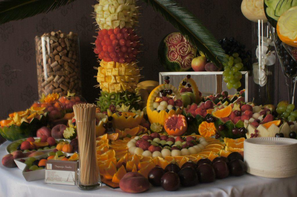 Bufet owocowy Pałac Tarce