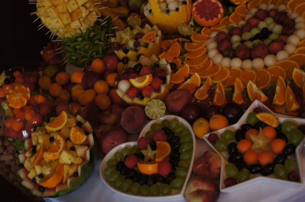 fantazyjne dekoracje owocowe Pałac Tarce
