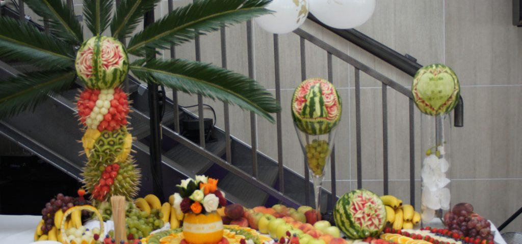 Bufet owocowy Biały Fortepian Koło