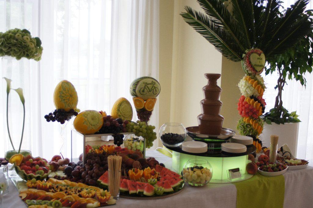 bufet owocowy, palma owocowa, fontanna czekoladowa, carving Koło, Konin, Turek