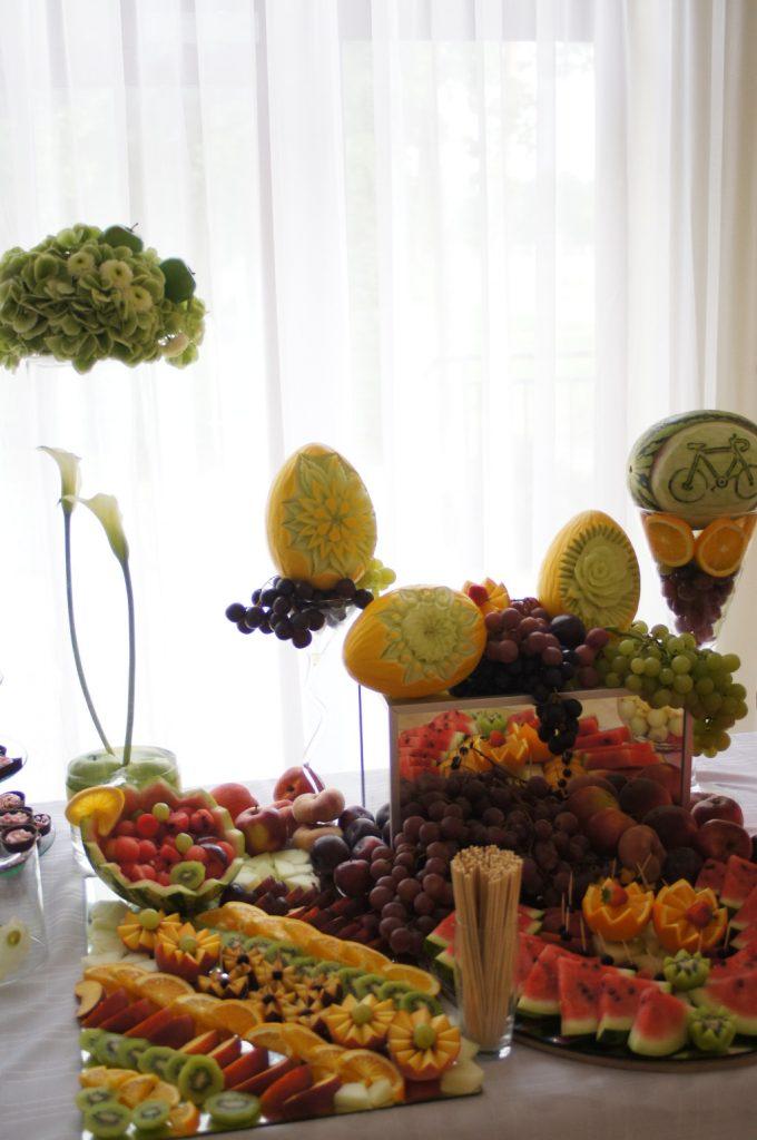 fruit carving, palmy owocowe, dekoracje owocowe Koło, Turek, Sompolno, Kłodawa