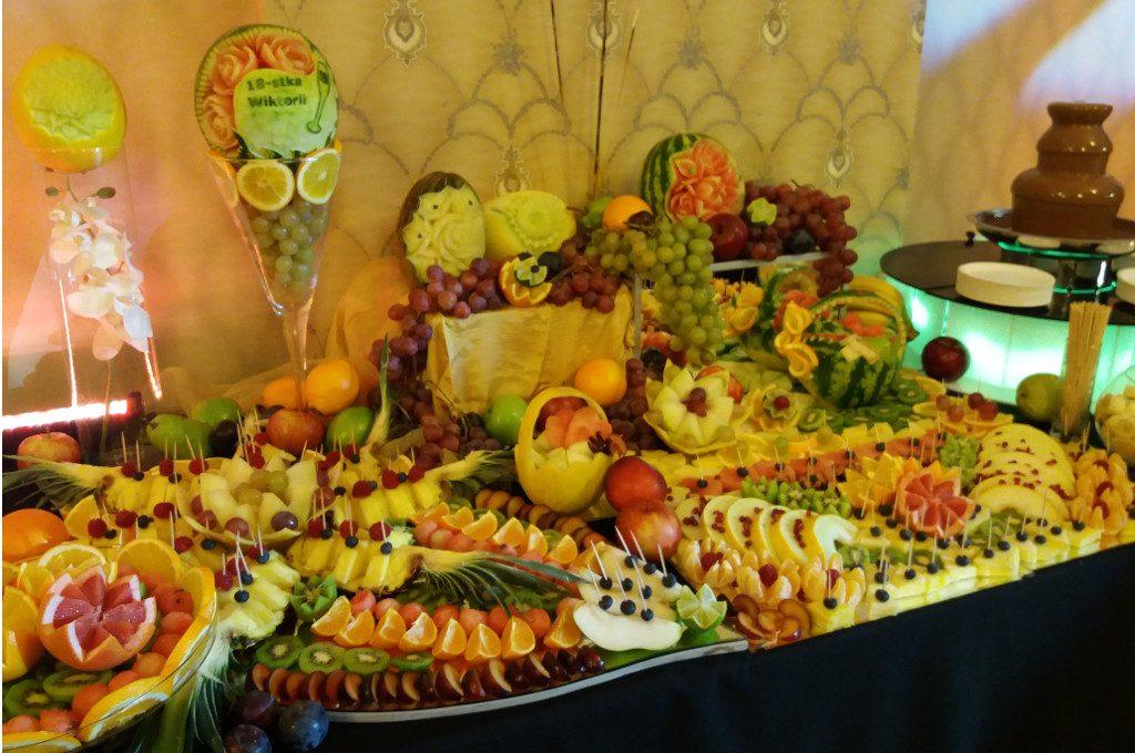 Dekoracje z owoców, carving Kalisz, na 18-stkę