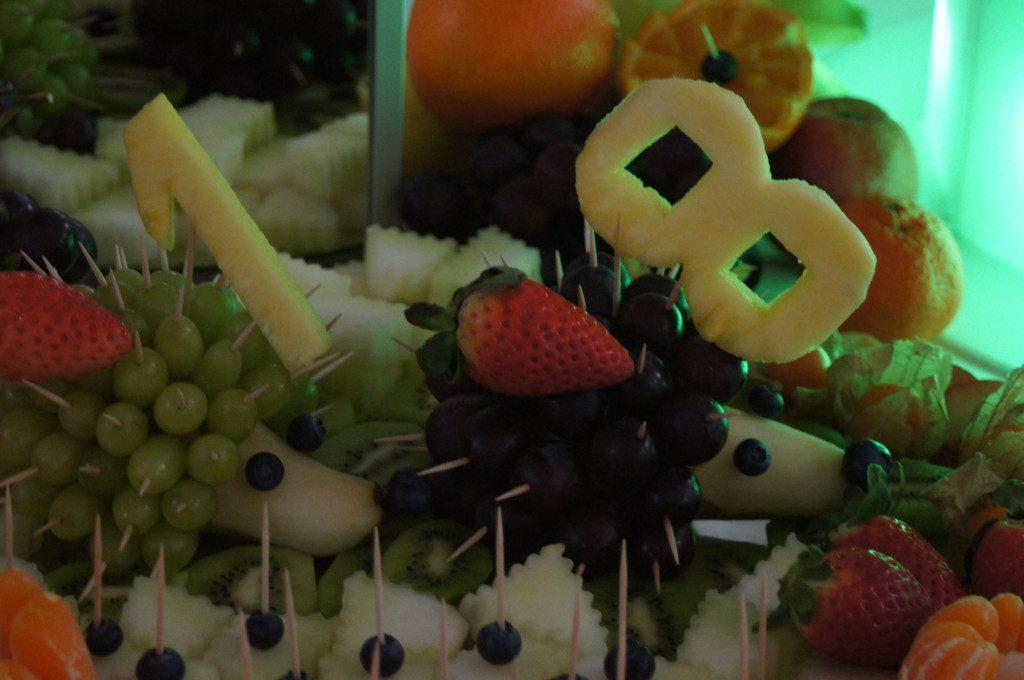 stół z owocami, fontanna czekoladowa, carving Kalisz, Koło, Turek, Włocławek, Sompolno