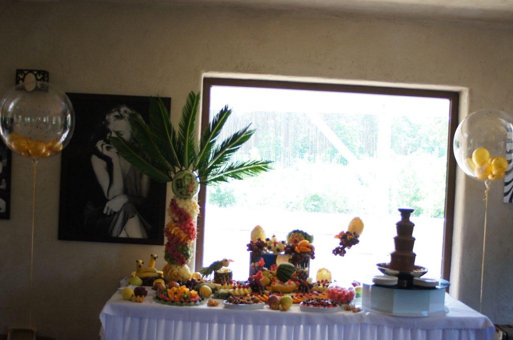 bufet owocowy, carving, dekoracje z owoców