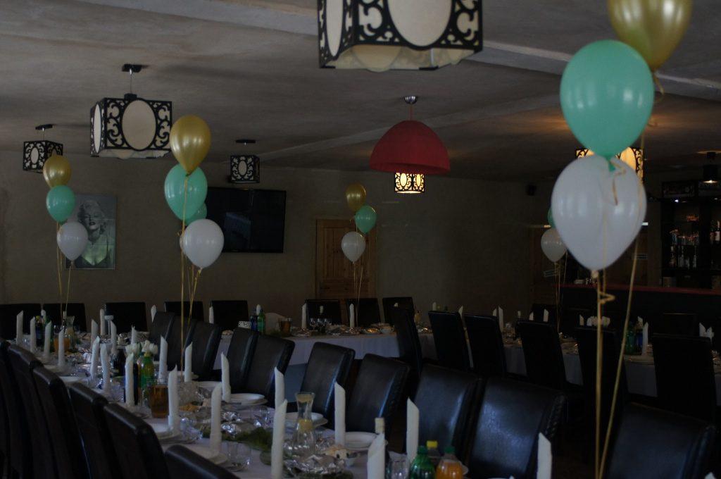 dekoracje balonowe sal, balony z helem, łuki balonowe